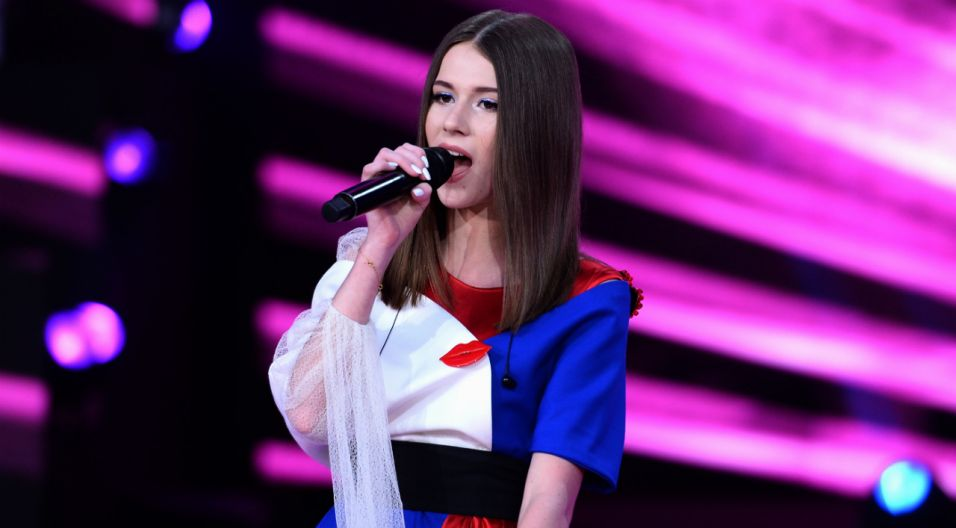 """Na opolskiej scenie nie mogło zabraknąć Roksany Węgiel i piosenki """"Anyone I Want To Be"""", którą młoda artystka zdobyła zwycięstwo podczas Eurowizji Junior (fot. Jan Bogacz/TVP)"""