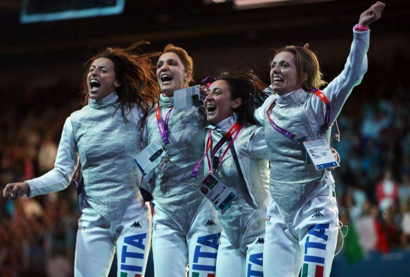Włoszki E. Di Francisca, A. Errigo, I. Salvatori i V. Vezzali – drużynowe mistrzynie olimpijskie we florecie (fot. Getty Images)