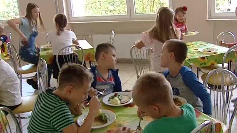 Men Planuje Stolowke W Kazdej Szkole Ma Byc Smacznie I Kolorowo Na