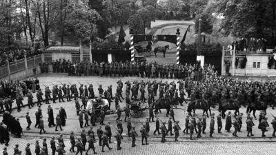 Spór o historię – Kryzys przywództwa 1935 - 1939