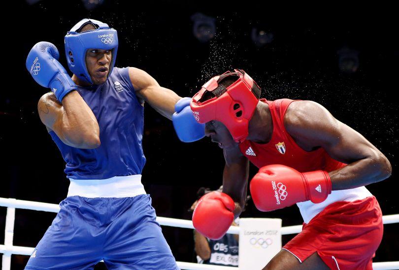 Joshua w pierwszej walce z kwitkiem odprawił Kubańczyka Erislanda Cotillę (fot. Getty Images)