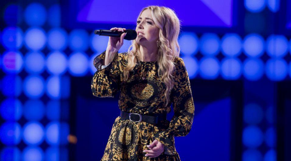"""Czy równie profesjonalnie wyszło jej wykonanie piosenki """"Zostań ze mną""""? (fot. TVP)"""