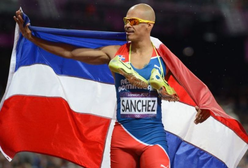 Felix Sanchez z Dominikany został mistrzem olimpijskim w biegu na 400 metrów przez płotki (fot. PAP/EPA)
