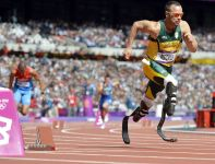 W eliminacjach biegu na 100 metrów wystąpił Oscar Pistorius (fot. PAP/EPA)