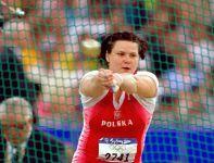 W Sydney w 2000 roku Kamila Skolimowska triumfowała w rzucie młotem (fot. Getty Images)