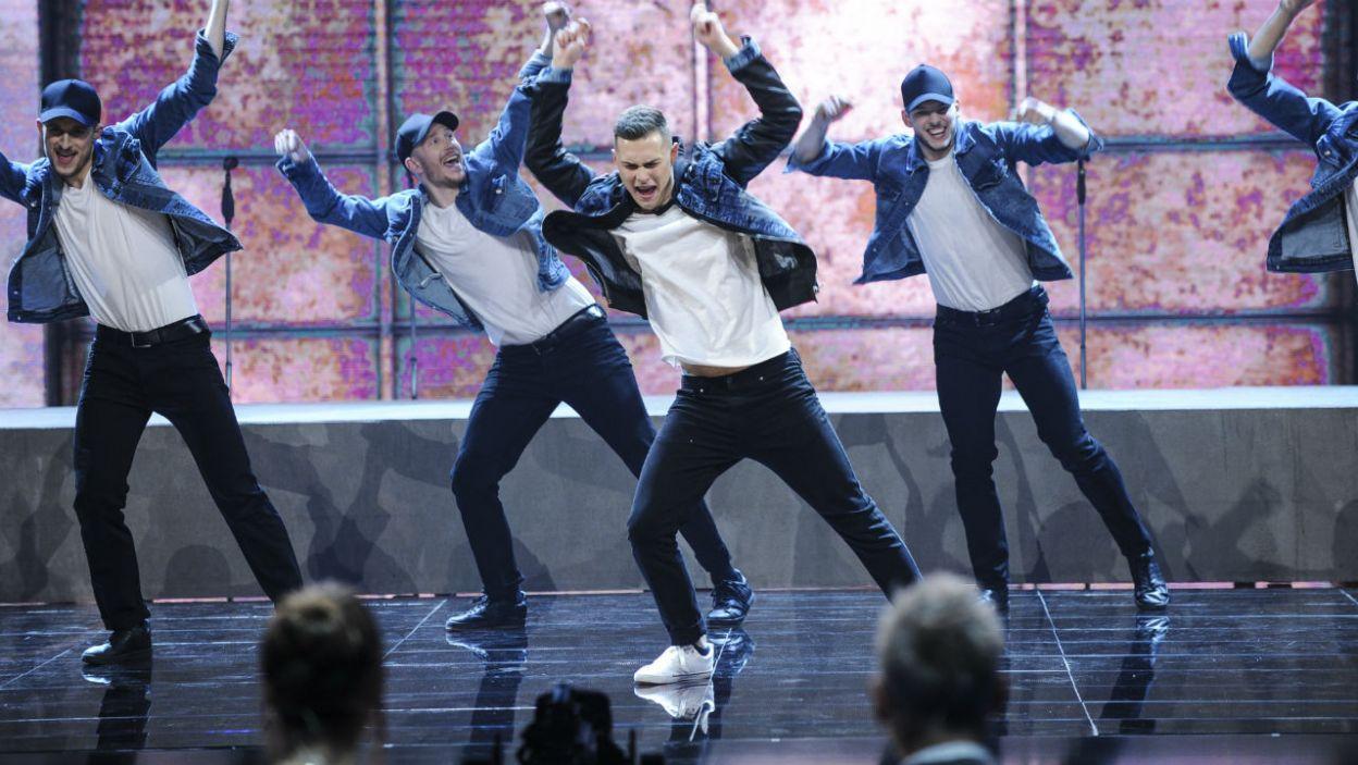 Adam Zdójkowski wcielił się w członka zespołu Backstreet Boys (fot. TVP)