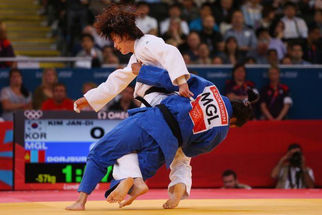 Dotychczas w judo zabronione było zakrywanie twarzy (fot. Getty Images)