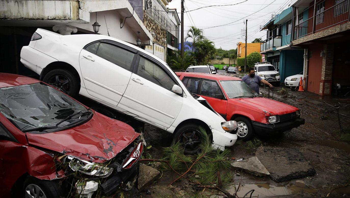 Ogłoszono stan wyjątkowy (fot. PAP/EPA/Rodrigo Sura)