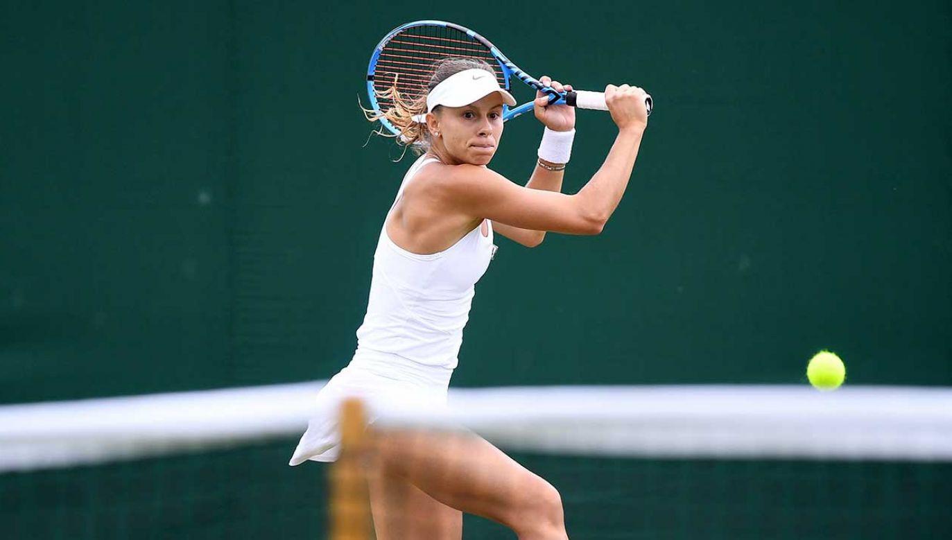 W czwartek Magda Linette zagra w drugiej rundzie gry pojedynczej Wimbledomu (fot. PAP/EPA/ANDY RAIN)