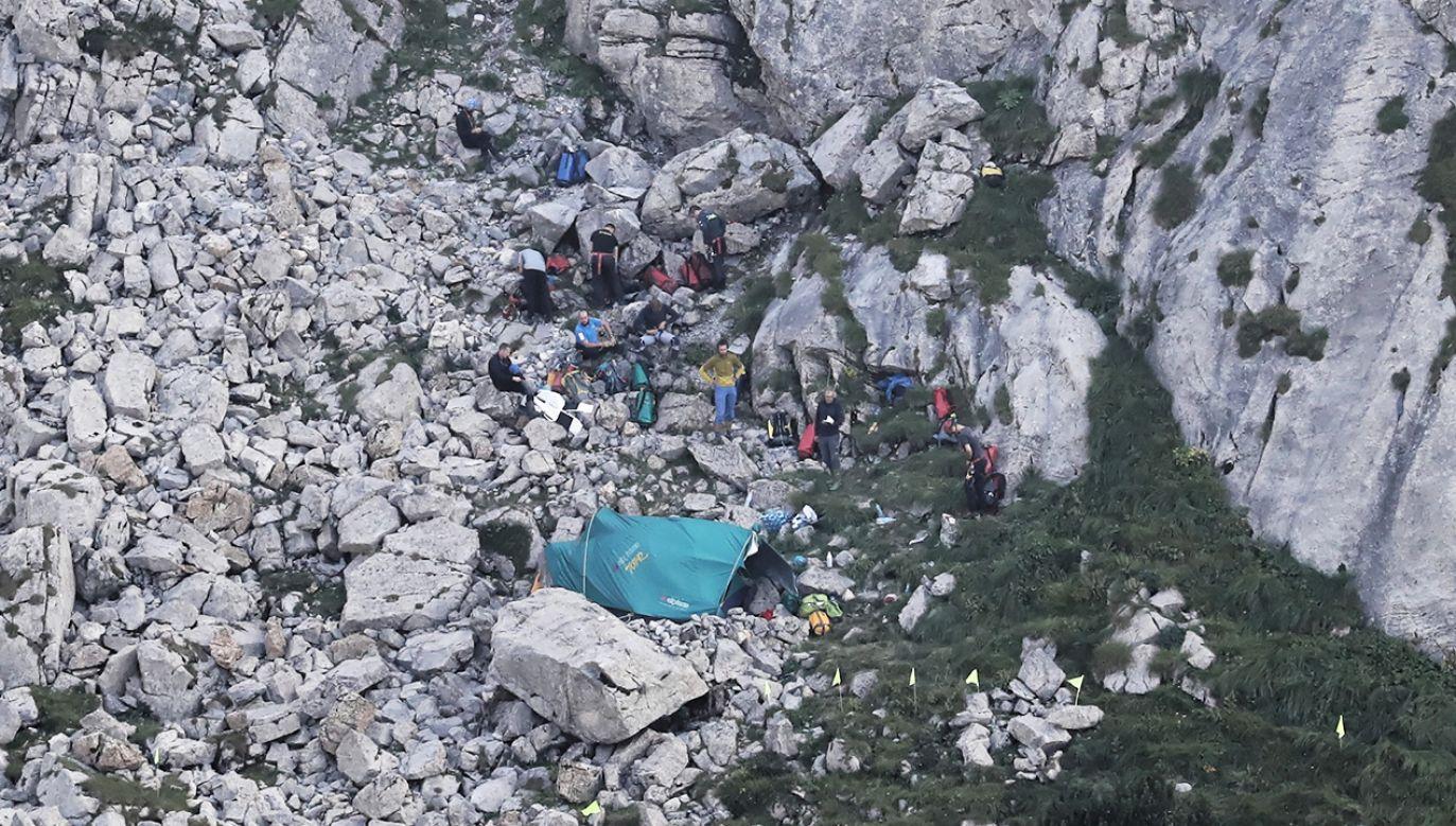 Trwa akcja ratunkowa, ratownikom dotychczas nie udało się nawiązać kontaktu z grotołazami (fot. PAP/Grzegorz Momot)