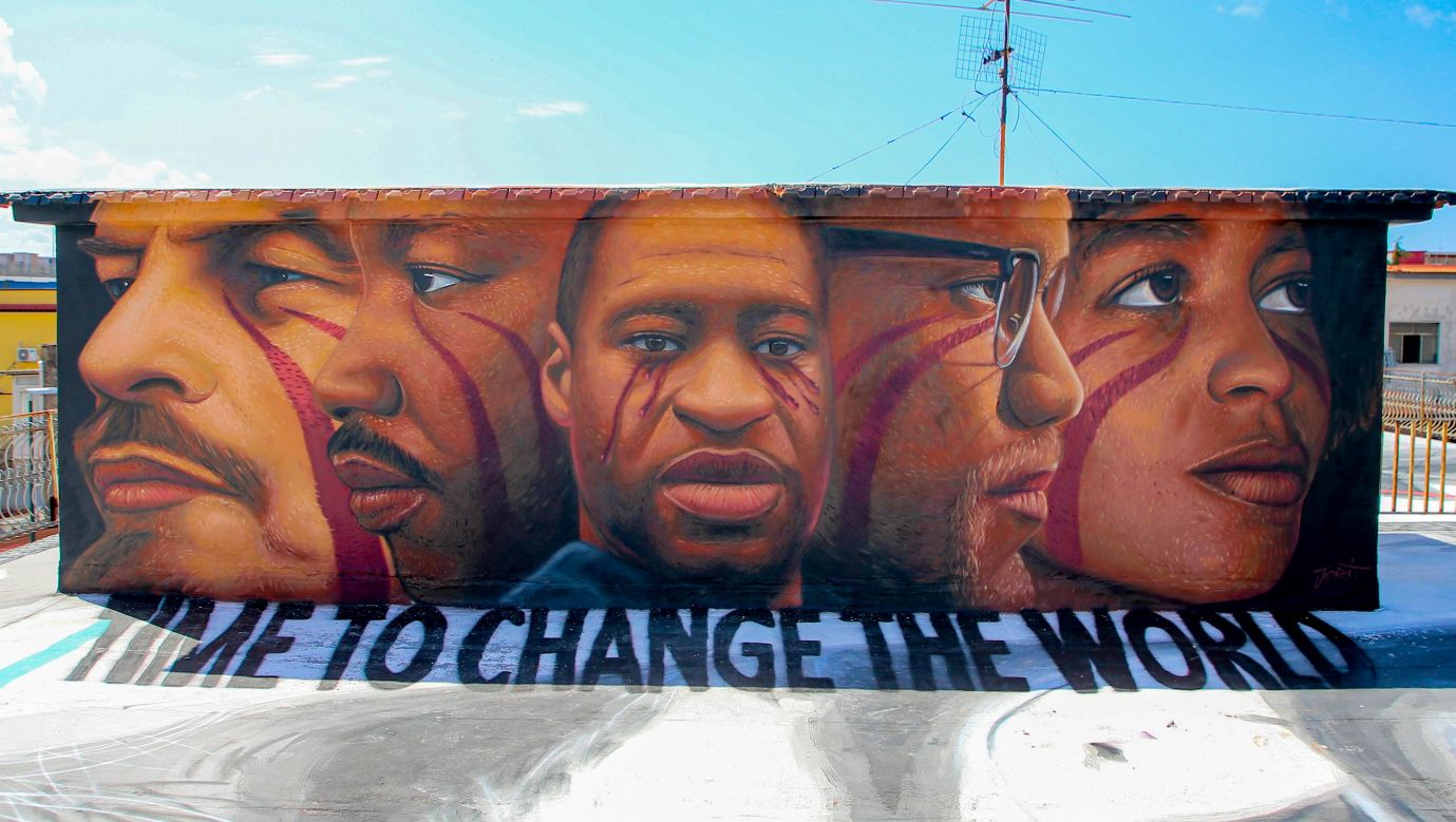 Włodzimierz Ilijicz Lenin, Malcolm X,  George Floyd, Angela Davis i Martin Luter King. Bohaterowie muralu w Neapolu autorstwa Jorita Agocha. Fot. Antonio Balasco/KONTROLAB/LightRocket via Getty Images