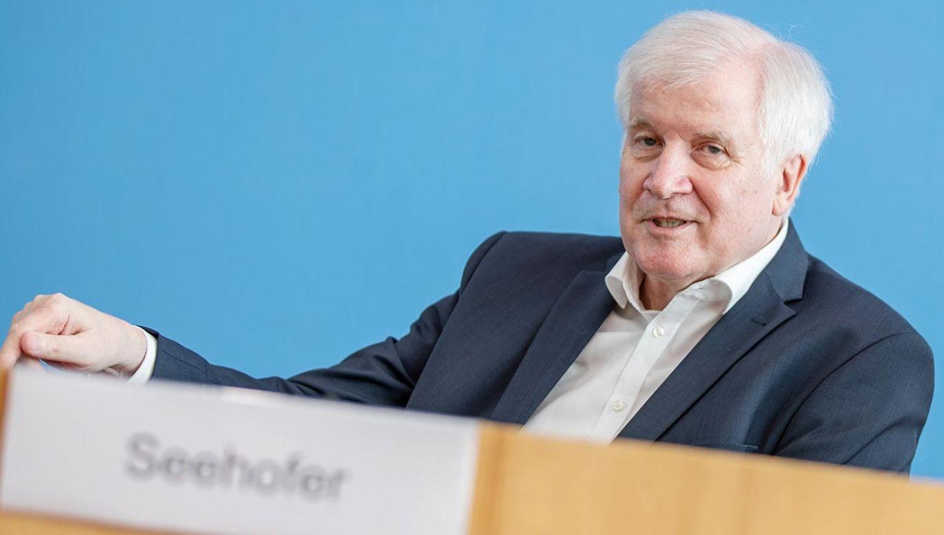"""Horst Seehofer chce pozostać """"poniżej progu przywrócenia kontroli"""" na granicy polsko-niemieckiej (fot. Andreas Gora-Pool/Getty Images)"""