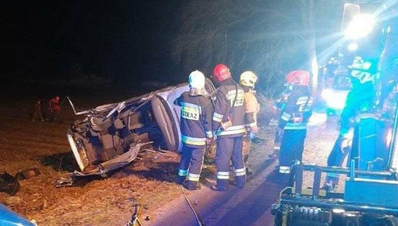 Według policji kierowca nie miał prawa jazdy (fot. Facebook/Ochotnicza Straż Pożarna w Barczewie)