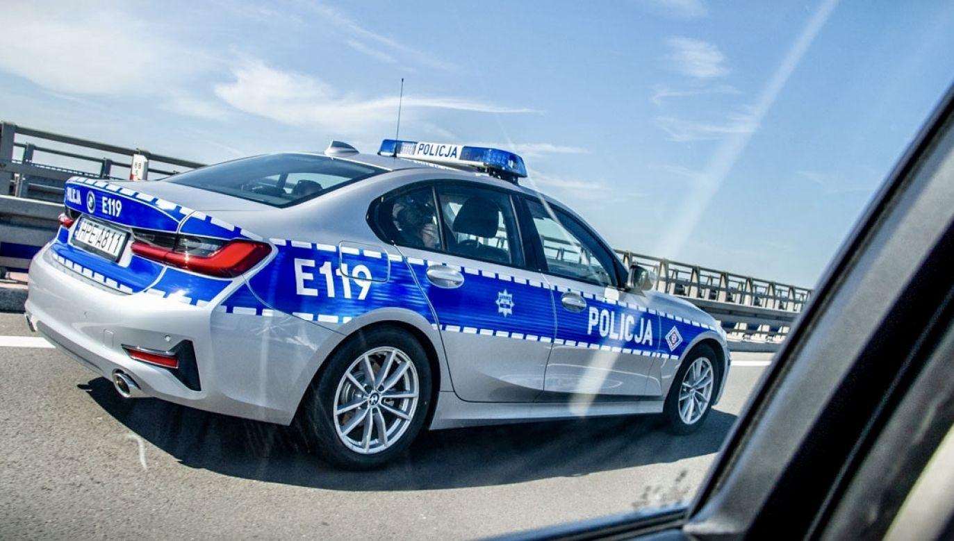 Uciekinier uszkodził dwa radiowozy (fot. policja.pl, zdjęcie ilustracyjne)