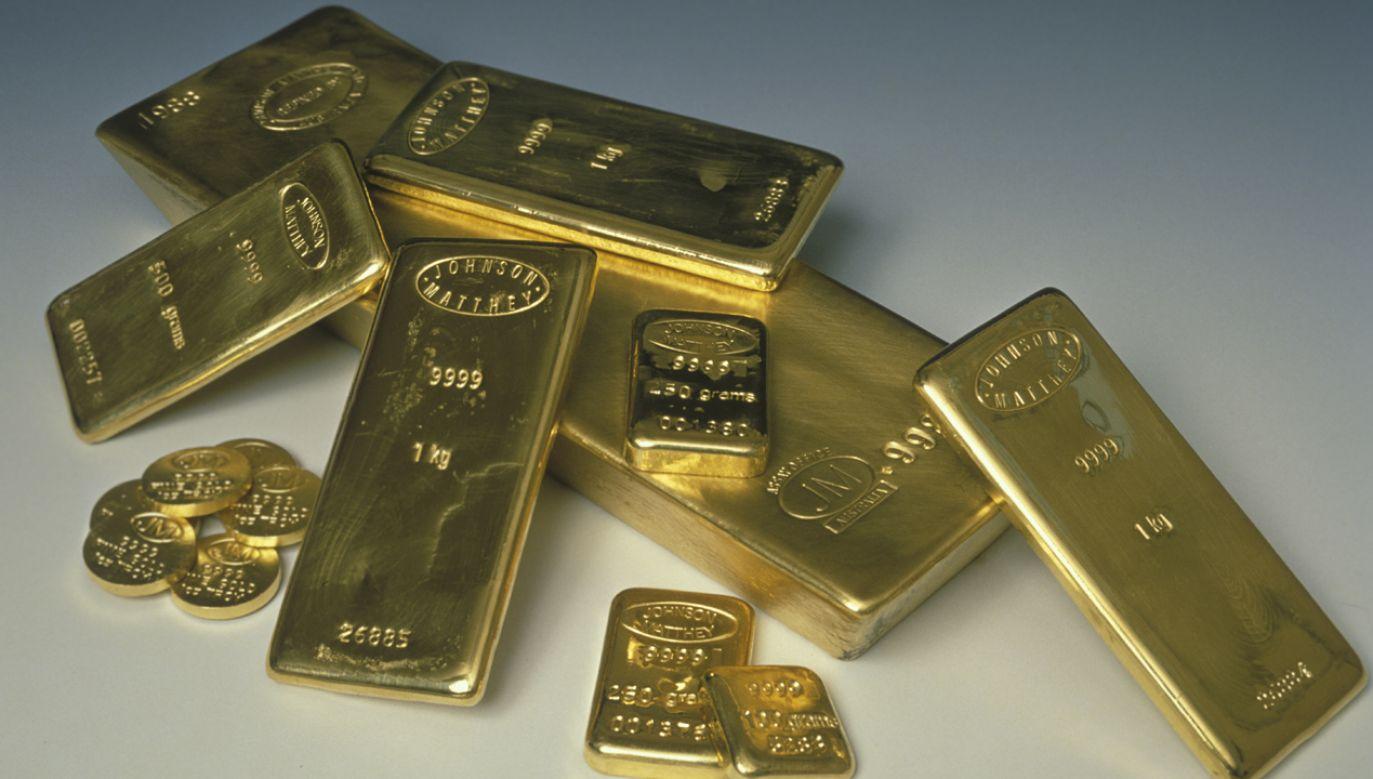 Oszuści załatwiali fikcyjne faktury kosztowe, dzięki którym legalizowali zdobyte pokątnie złoto i srebro (fot. Camerique/ClassicStock / Contributor)