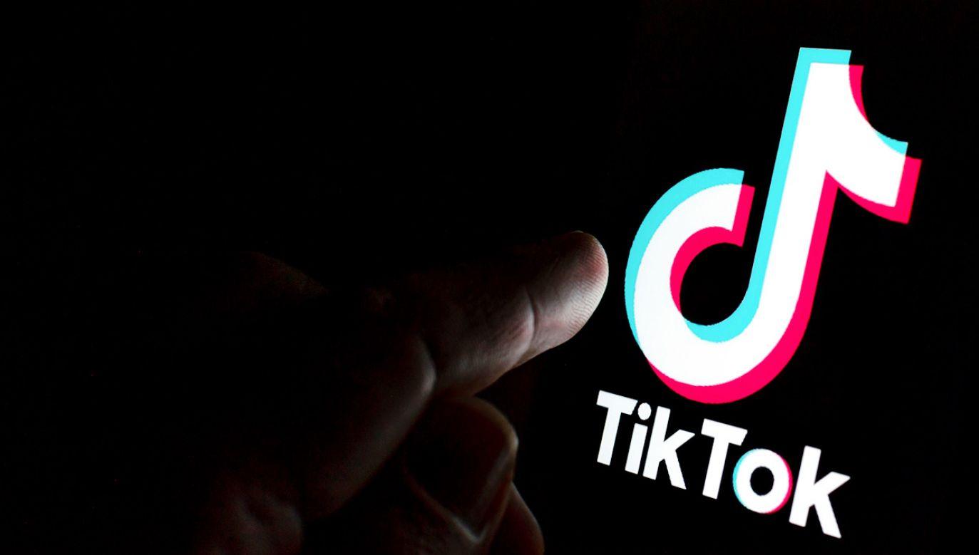 TikTok z luką w algorytmie (fot. Shutterstock)
