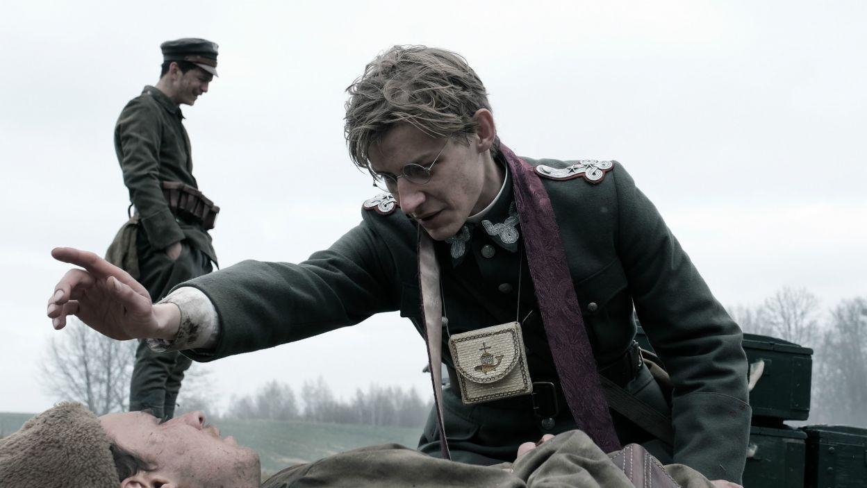Film to epicki obraz wędrówki przez historię Polski XX wieku (fot. materiały promocyjne)