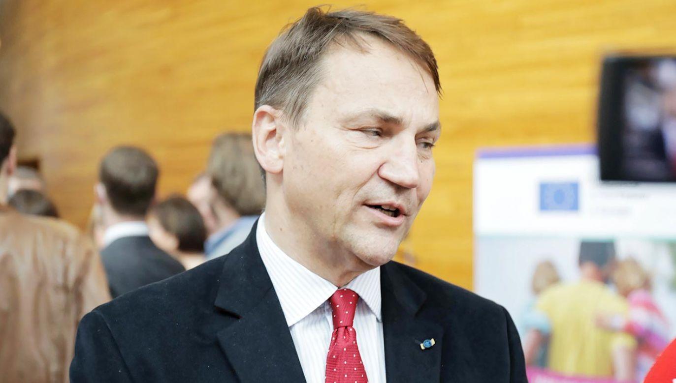Radosław Sikorski nie pierwszy raz w ten sposób odnosi się do kobiet (fot. PAP/Albert Zawada)