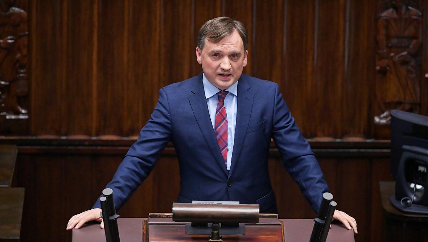 """Minister Ziobro mówił w sejmie, że posłowie KO malują """"fałszywy obraz"""