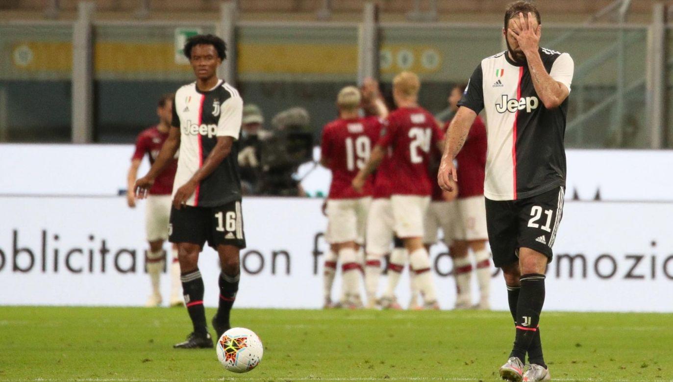 Gonzalo Higuain i Juan Cuadrado nie pomogli Juventusowi w meczu z Milanem (Fot. EPA)