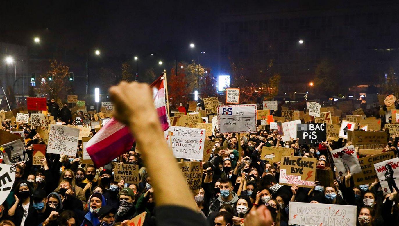 Protest odbywa się mimo pandemii (fot. Beata Zawrzel/NurPhoto via Getty Images)