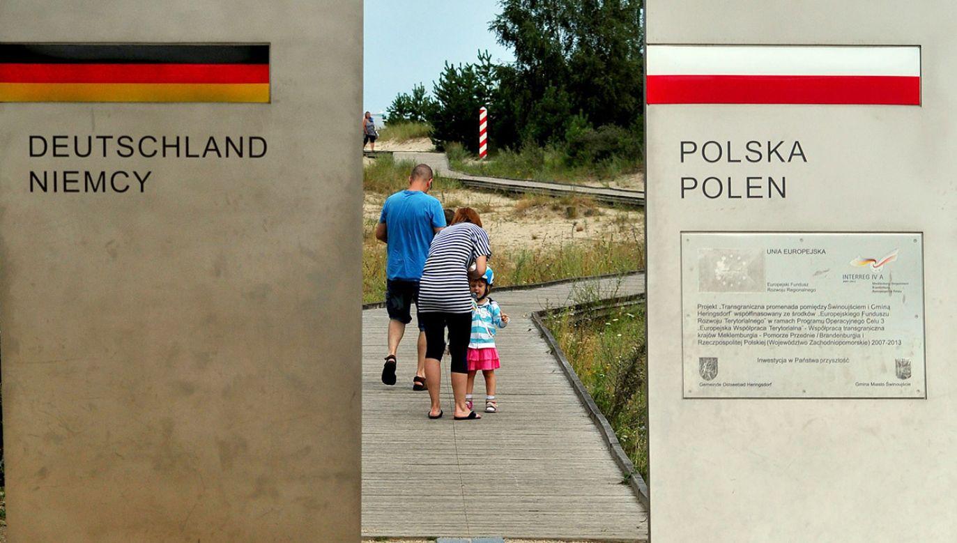 Dodatnie saldo migracyjne z Polski wyniosło w 2018 r. 20 tys. osób (fot. arch.PAP/Marcin Bielecki)