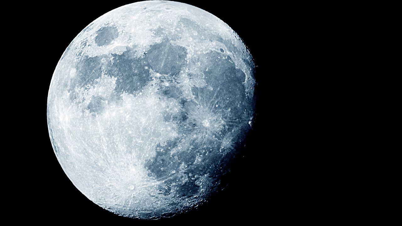 Badania nad regolitem na powierzchni Księżyca (fot. Shutterstock/taffpixture)