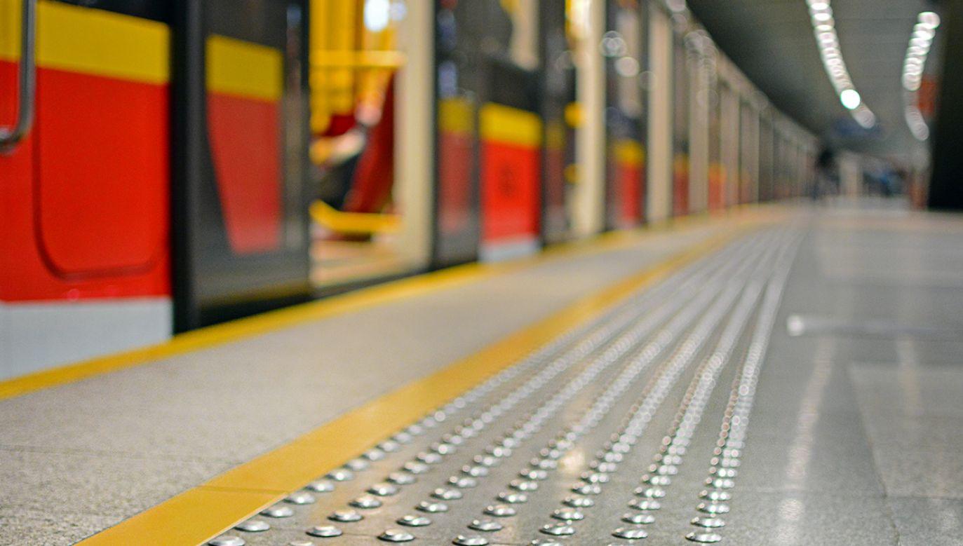 Zarządu Transportu Miejskiego w Warszawie zapewnił, że już wszystko działa (fot. Shutterstock/Martyn Jandula)