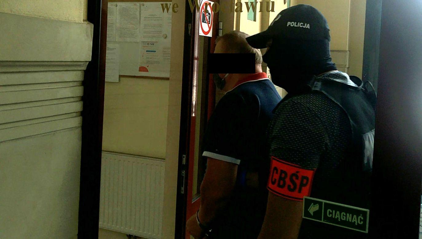 Zatrzymanie ukrywającego się bossa gangu oszustów (fot. CBŚP)