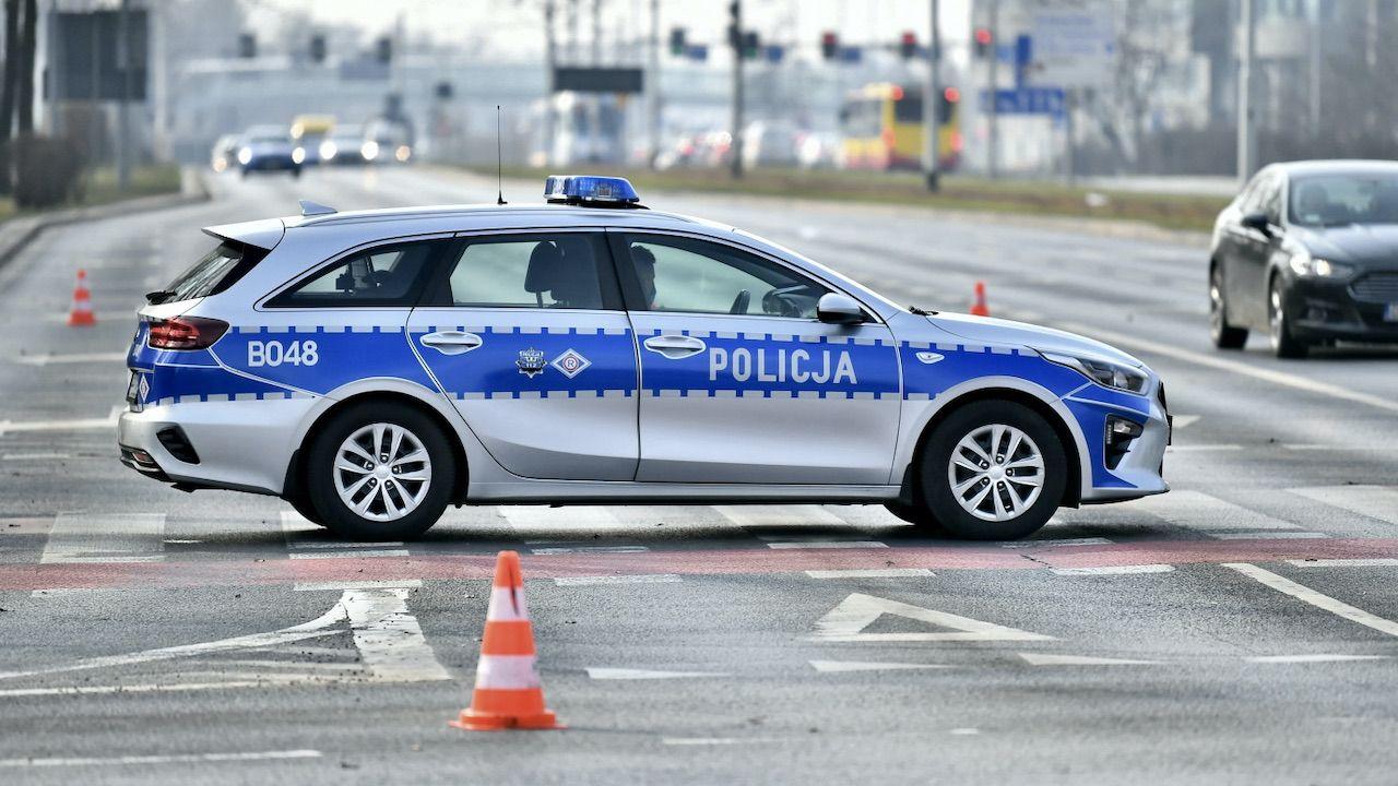 Kierowca został przebadany alkomatem. Był trzeźwy (fot. PAP/M.Kulczyński, zdjęcie ilustracyjne)