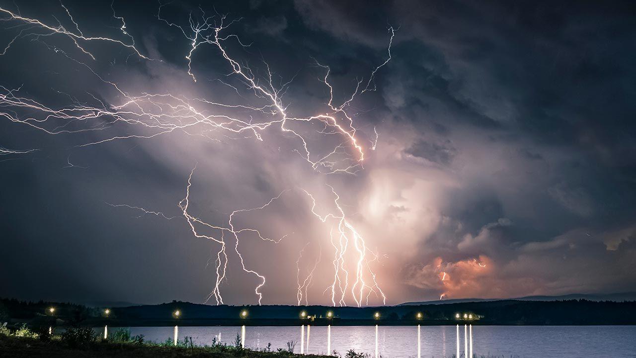 Będzie niebezpiecznie (fot. Shutterstock/Slavi Zayakov, zdjęcie ilustracyjne)