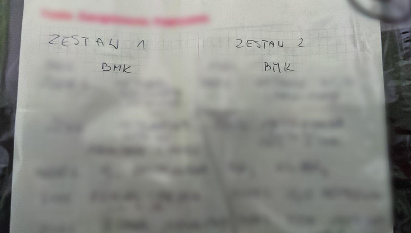 """Dla pewności """"chemik"""" posiłkował się przy """"gotowaniu mety"""" dokładnymi notatkami (fot. CBŚP)"""