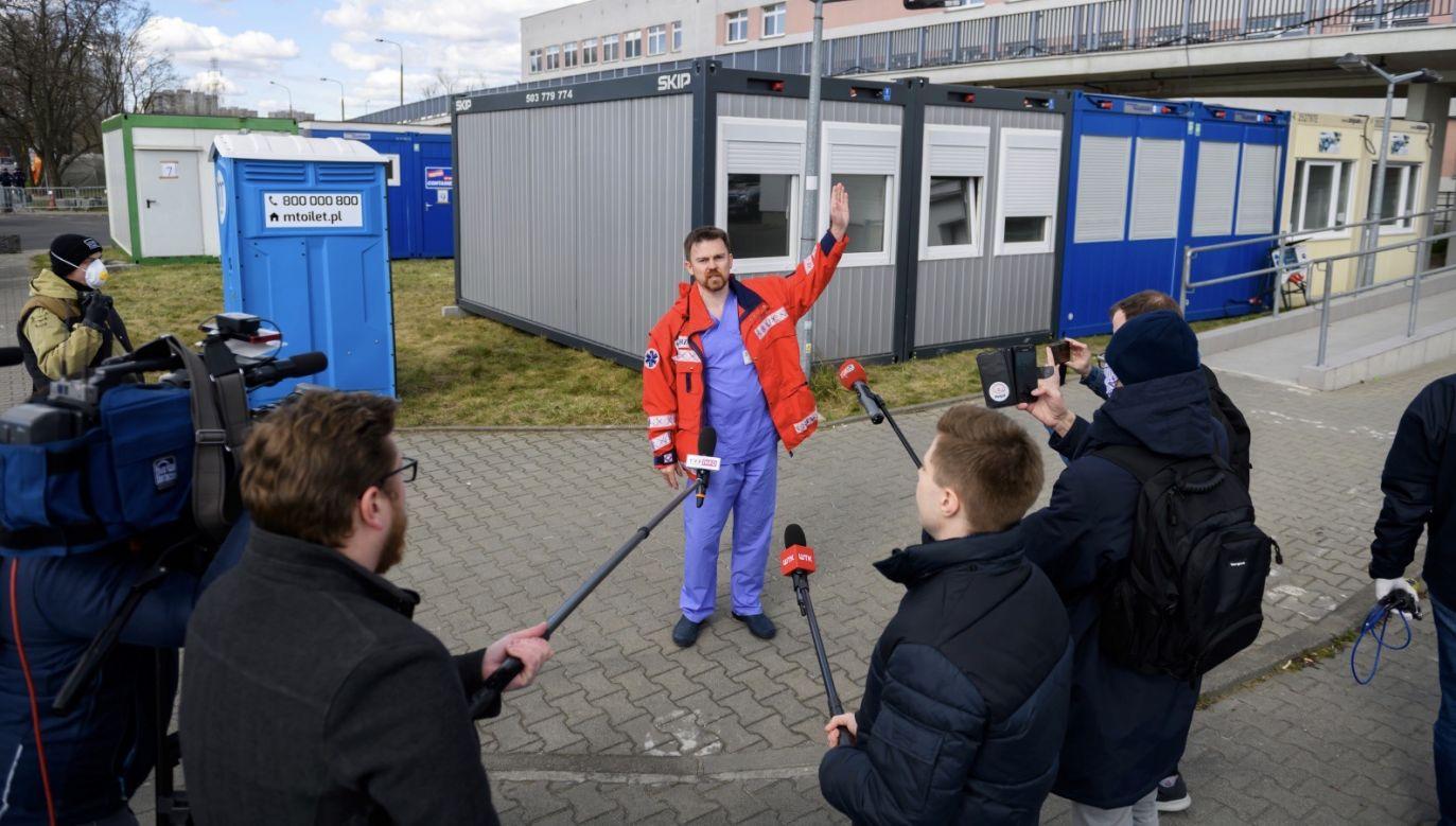 Zostali hospitalizowani 11 i 12 marca (fot. PAP/Jakub Kaczmarczyk)
