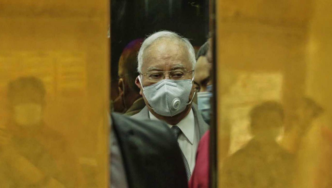 Były premier Malezji Najib Razak skazany na 12 lat więzienia (fot. PAP/EPA/AHMAD YUSNI)
