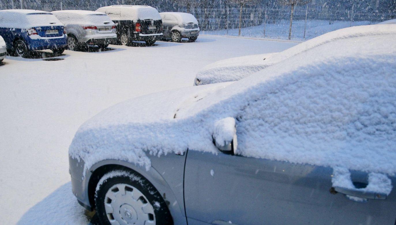 Spadnie spora ilość śniegu (fot. PAP/T.Waszczuk, zdjęcie ilustracyjne)