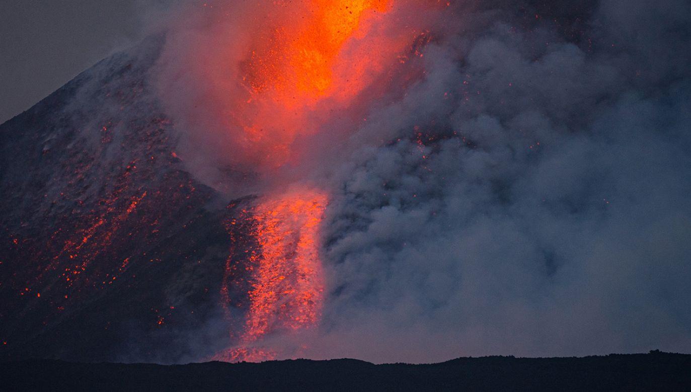 Erupcja Etny (fot. Marco Restivo/Barcroft Media via Getty Images)