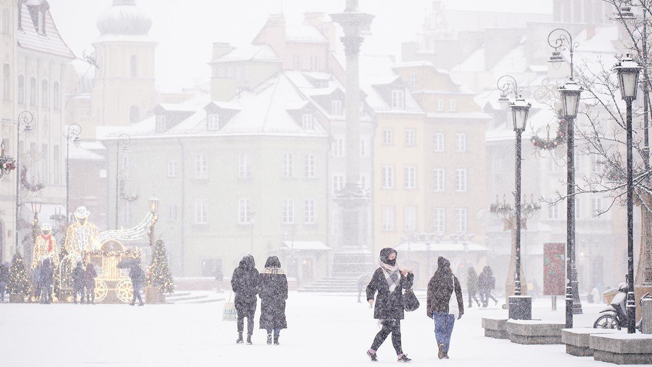 Śnieg w Warszawie i mróz – prognoza pogody (fot. Jaap Arriens/NurPhoto via Getty Images)