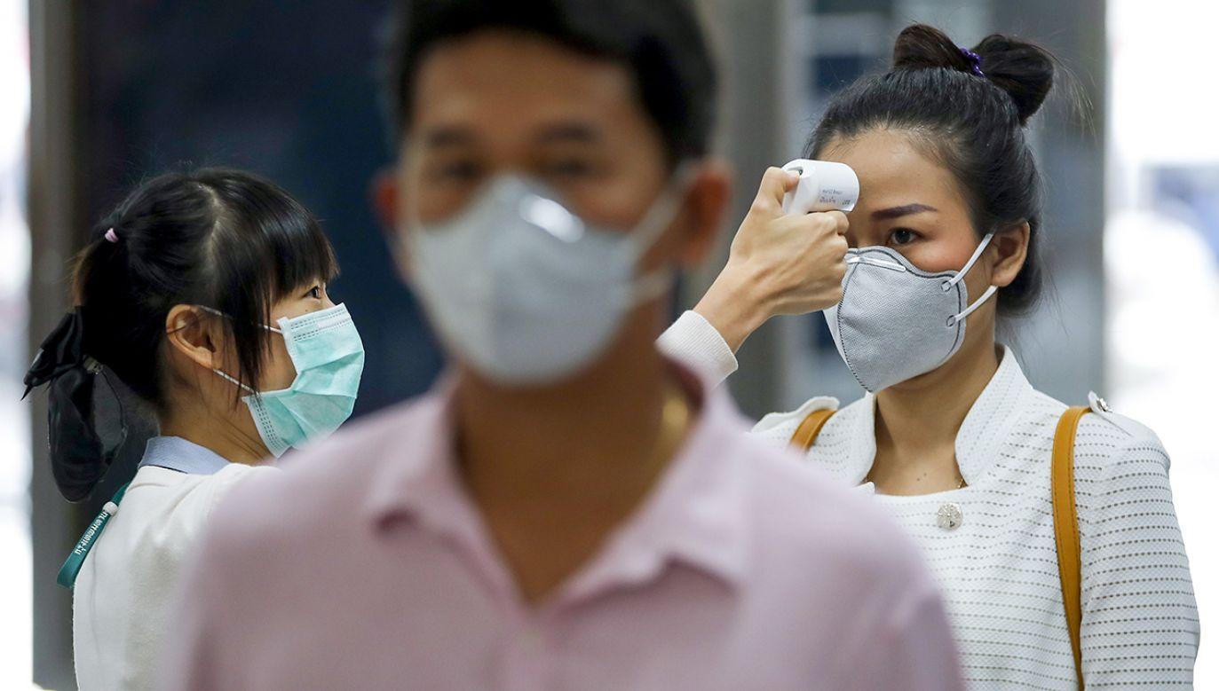 Jednocześnie maleje liczba nowych zarażeń poza prowincją będącą epicentrum wirusa (fot. PAP/EPA/DIEGO AZUBEL)