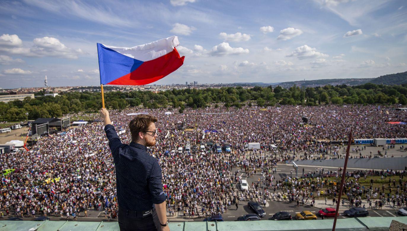 W Pradze trwa największa manifestacja polityczna od czasów aksamitnej rewolucji (fot. Gabriel Kuchta/Getty Images)