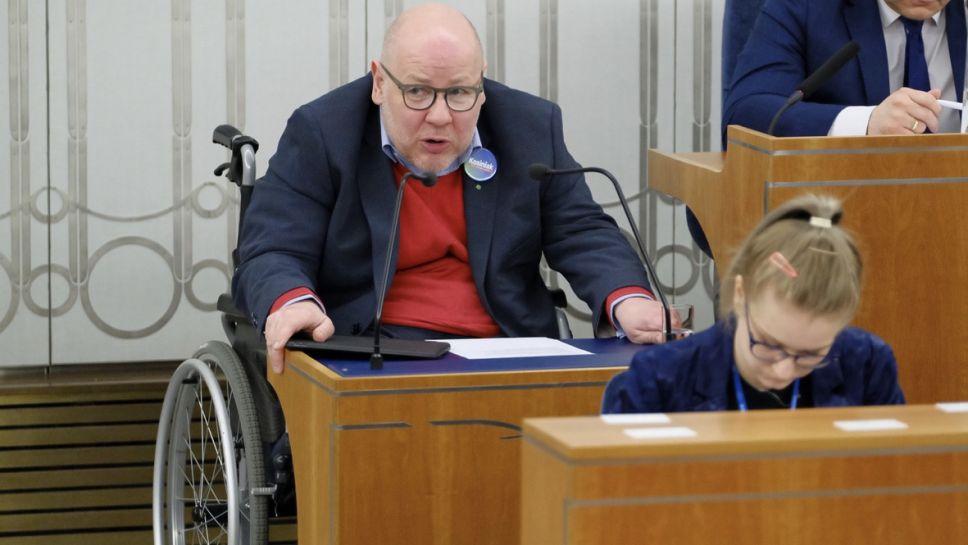 Senator Jan Filip Libicki, zakażony koronawirusem od soboty przebywa w poznańskim szpitalu (fot. arch.PAP/Mateusz Marek)