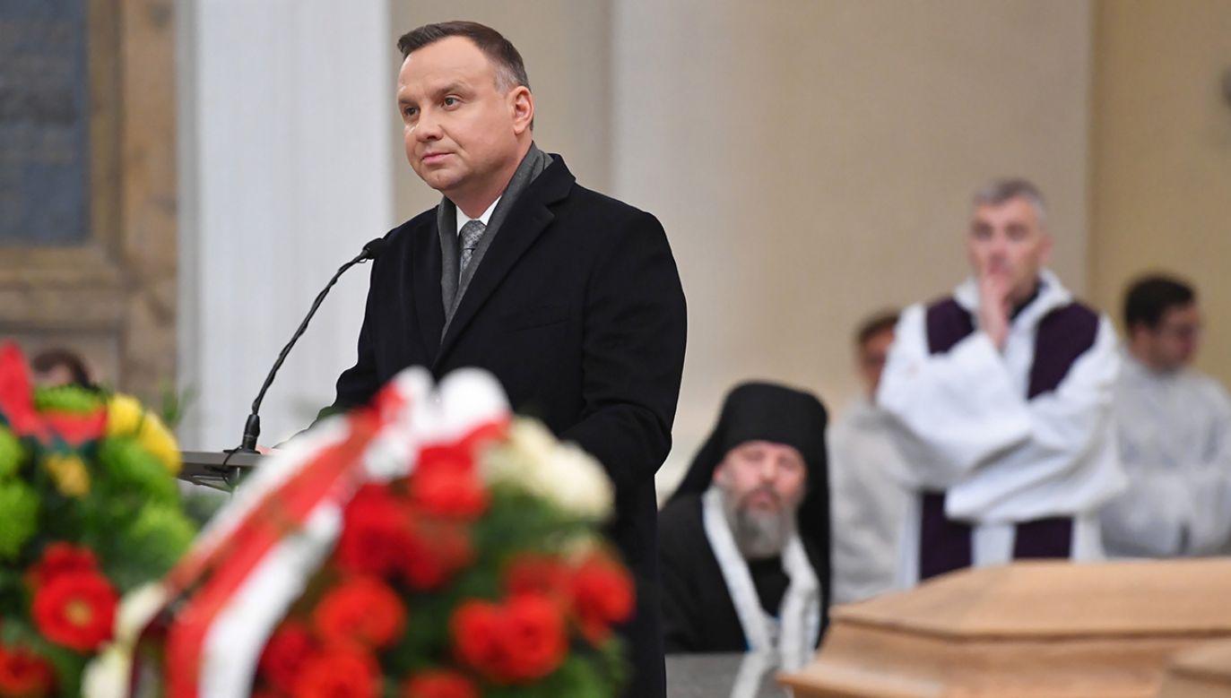 Prezydent Andrzej Duda podczas mszy św, w Katedrze Wileńskiej (fot. PAP/Piotr Nowak)