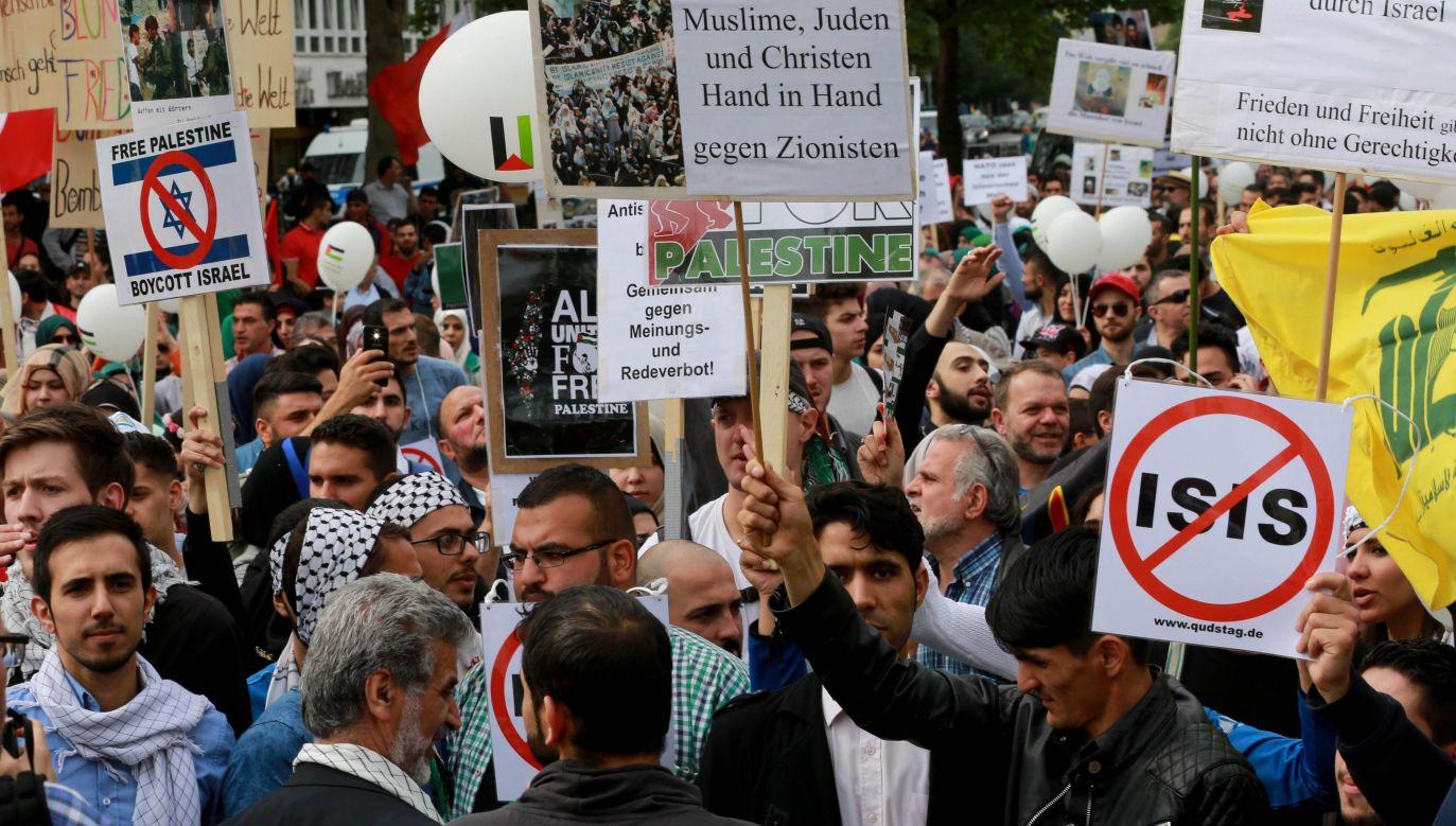 Propalestyński protest w Berlinie (Photo by Mehmet Kaman/Anadolu Agency/Getty Images)