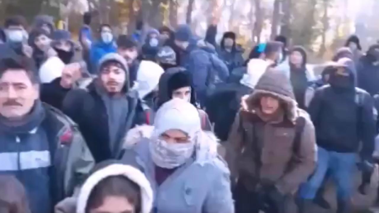 Imigranci chcą się dostać do Niemiec (fot. twitter.com/Straz_Graniczna)