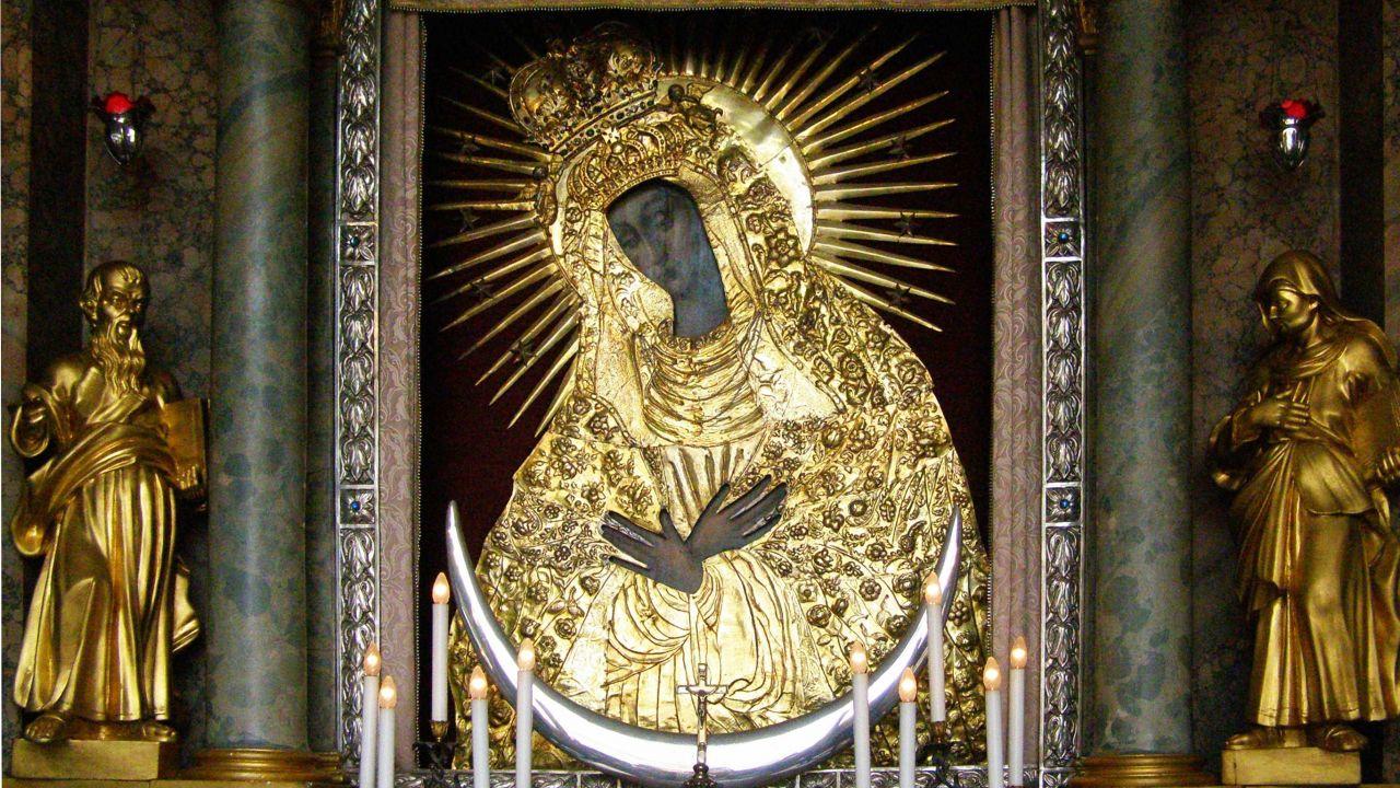 90. rocznica koronacji obrazu Matki Boskiej Ostrobramskiej (fot. Wikipedia/ Albertus teolog)