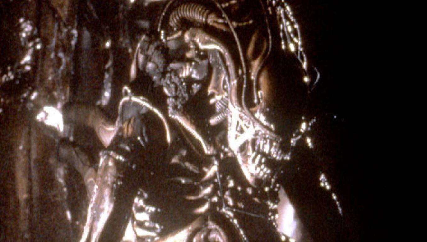 Konstrukcje potworów H. G. Gigera były tak przerażające, że w drodze na plan zostały zatrzymane na lotnisku przez amerykańskich celników (Twentieth Century Fox Film Corporation/Sunset Boulevard/Corbis via Getty Images)