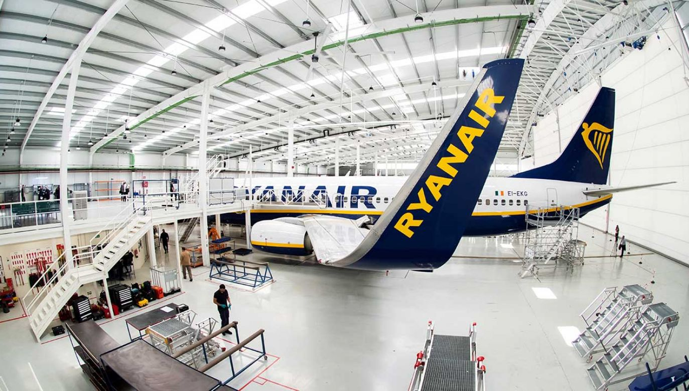Buzz będzie realizował loty czarterowe oraz połączenia regularne dla Ryanair (fot. PAP/EPA/Raul Caro)