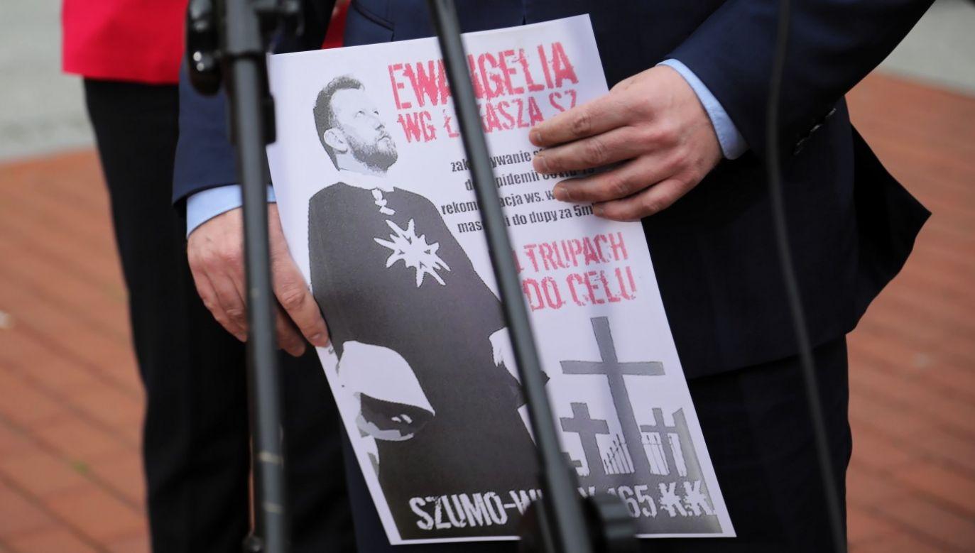 – Łukaszu, jesteśmy z tobą i z twoją rodziną – powiedziała minister rodziny (fot. PAP/Wojciech Olkuśnik)