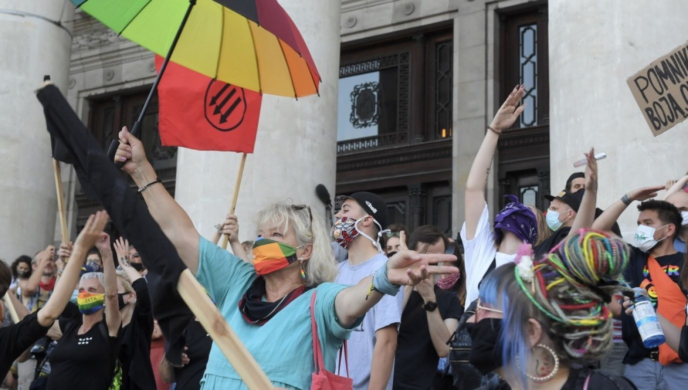 Protesty środowisk LGBT (fot. PAP/Radek Pietruszka)