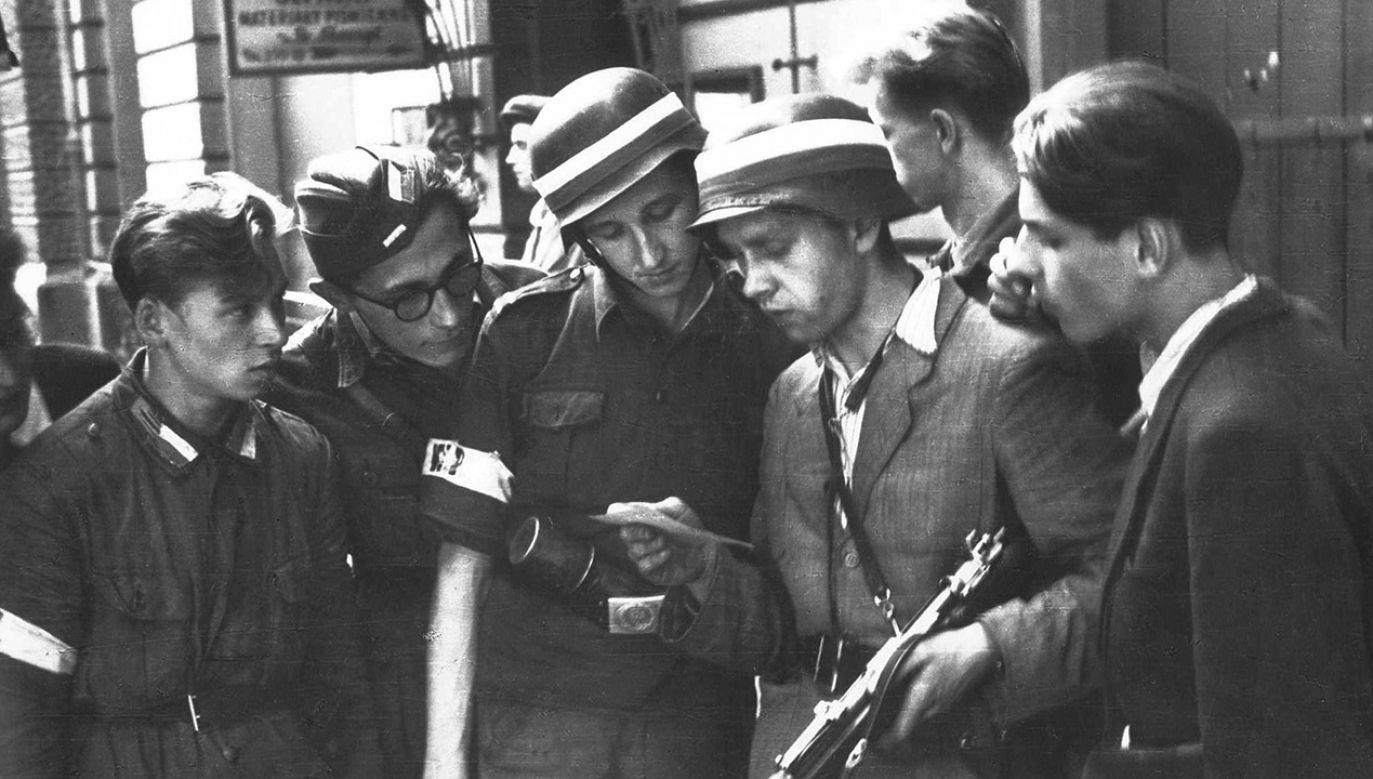 Uczestnicy Powstania Warszawskiego (fot. arch.PAP/Alamy)