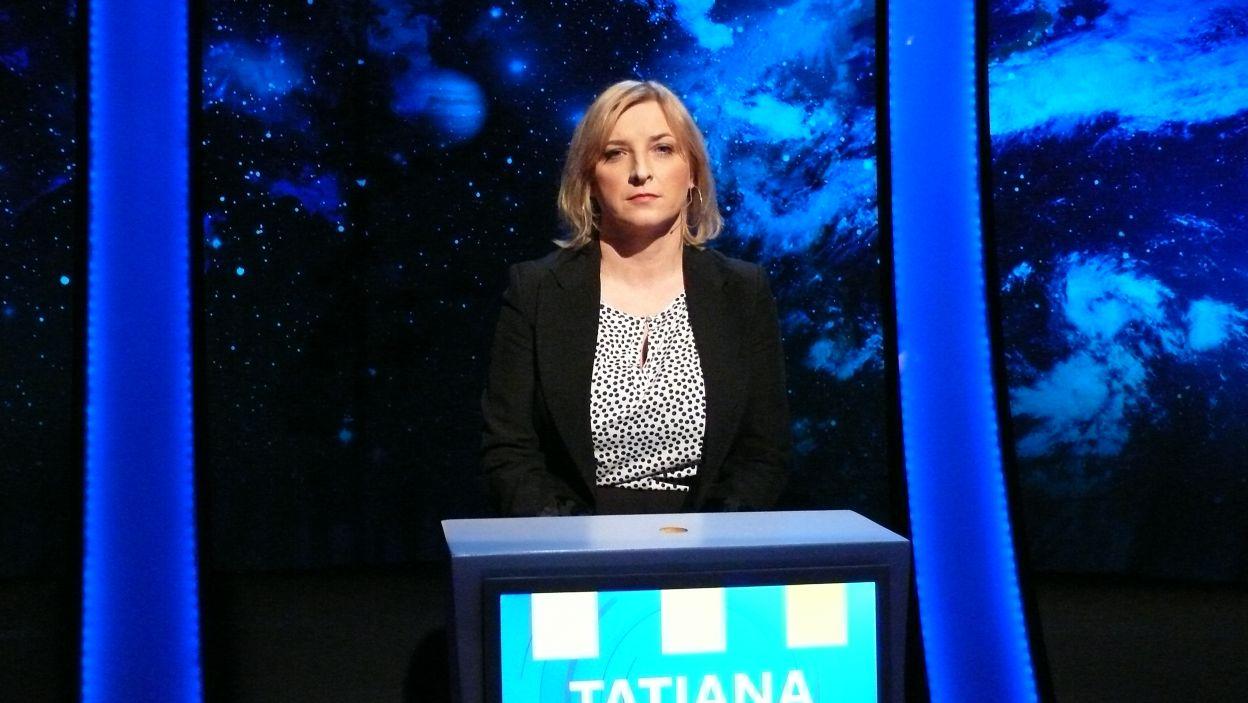 Pani Tatiana gotowa w skupieniu oczekuje rozgrywki 16 odcinka 110 edycji
